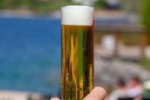 Für jedes Bier gibt es ein perfektes Glas. Neben der richtigen Bierzapfanlage für Zuhause, ist auch das richtige Biergläs für ein ordentliches Feierabend-Feeiling wichtig.